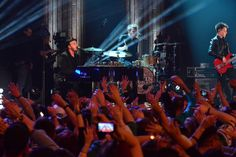 """Gavin Degraw Photos Photos: """"Super Bowl Blitz: Six Nights + Six Concerts"""" - New Jersey Gavin Degraw, Drama Series, Theme Song, Debut Album, New Jersey, Concerts, Super Bowl, Handsome, Singer"""
