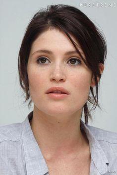 Gemma Arterton Hot | Gemma Arterton a un visage parfait et en profite pour très peu se ...