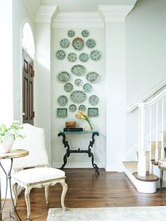 Small wall decor ideas hallway decorating for your home living room on a budget pictures idea Gallery Wall, Decor, Wall Decor, Plates On Wall, Interior, Small Hallway Decorating, Plate Wall Display, Home Decor, Room Decor