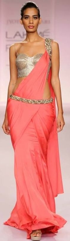 News, Breaking News Today - Bollywood, Cricket, Business, Politics - IndiaToday Lakme Fashion Week Spring/Resort Lakme Fashion Week, India Fashion, Ethnic Fashion, Asian Fashion, Fashion Weeks, Saree Blouse Designs, Blouse Styles, Sari Blouse, Indian Dresses