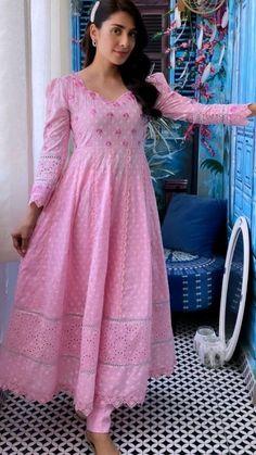 Stylish Dress Book, Stylish Dresses For Girls, Stylish Dress Designs, Designs For Dresses, Casual Indian Fashion, Indian Fashion Dresses, Indian Designer Outfits, Designer Anarkali Dresses, Designer Party Wear Dresses