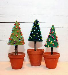 Kathi Pirati: Strickliesel Tannenbäumchen (mit Anleitung) Knitted Christmas  Trees   Made With