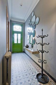 Google Afbeeldingen resultaat voor http://www.interieurdesigner.be/interieurprojecten/woning-inrichting/gerenoveerde-rijwoning/lange-inkomhal-gerenoveerde-rijwoning.jpg
