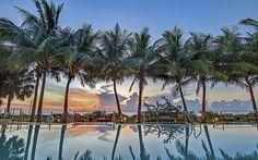 Carillon Miami Wellness Resort : Miami Beach, Estados Unidos : The Leading Hotels of the World Miami Beach Resort, Miami Beach Hotels, Resort Spa, Florida Resorts, Beach Resorts, Hotels And Resorts, Miami Florida, Luxury Travel, Bon Voyage
