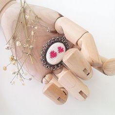 siparis ve bilgi icin✉️buy.badadesign@gmail.com  #badadesign #çarpıişi #kaneviçe #etamin #xstitch #stitch #crossstitch #crossstitching #craft #handcrafted #handmade #handcraft #needlework #kisiyeozel #alışveriş #özeltasarım #tasarım #design #love #embroidery #handembroidery #cute #cuteness #kolye #necklace #jewelry #necklaces #takı #brooch #gift