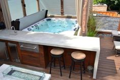 25 Best Backyard Hot Tub Deck Design Ideas for Relaxing - GODIYGO.COM To treat yourself well, you may need space in your home that is proper enough to escape from your tiring hectic day. Hot Tub Backyard, Fire Pit Backyard, Backyard Patio, Backyard Ideas, Whirlpool Jacuzzi, Jacuzzi Hot Tub, Hot Tub Bar, Ideas De Piscina, Jacuzzi Outdoor