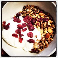 New batch of muesli, this time added some cocoa powder to give a chocolaty taste..  Cocoa Muesli w Cranberries & French Vanilla Yoghurt  #mealformeal #breakfast #brekkie #healthstartfortheday #healthyeating #cleaneating #chocolaty #cocoapower #cocoamuesli #muesli #Frenchvanilla #yoghurt #yummygoodness #cranberries