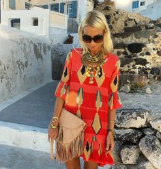 Anna Skoog sur Instagram : Tonight's @misterzimi dress @balielf bag @litajewellery necklace #pyrgos #santorini