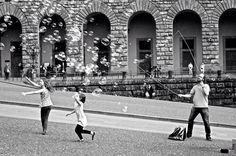 #biancoenero #bnw #blackandwhitephotography #blackandwhite #biancoenero #mono #monochrome #firenze #florence #italy #soapbubbles