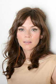 Anna Friel photo gallery