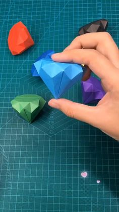 Cool Paper Crafts, Paper Crafts Origami, Diy Paper, Fun Crafts, Diy Crafts Kawaii, Paper Oragami, Creative Crafts, Diy Crafts Hacks, Diy Crafts For Gifts