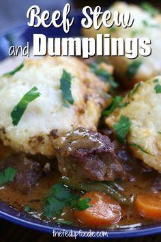 Homemade Dumplings, Dumpling Recipe, Easy Homemade Recipes, Easy Dinner Recipes, Real Food Recipes, Soup Recipes, Fall Recipes, Beef Stew With Dumplings, Pork And Beef Recipe