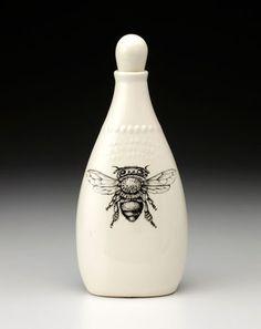 ≗ The Bee's Reverie ≗ Honey Bee Bottle
