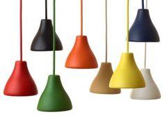 O projetista sueco Claesson Koivisto Rune usou alumínio reciclado paracriar esta linda e moderna luminária para a famosa marca de iluminação Wästberg.  Lançada noStockholm Furniture & Light Fair,a luminária W131 está disponível em oito cores.  & ...