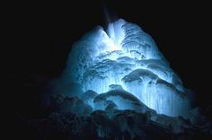 smithsonian-photo-contest-naturalworld-light-ice-nathan-carlsen
