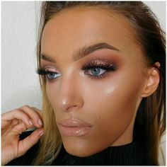"""246 Likes, 72 Comments - N I C H O L L 💄 (@nichollsbeautybible) on Instagram: """"T H R O W B A C K: A little throwback to one of my favourite makeup looks I created- this look took…"""""""
