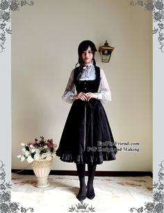 High quality lady cape and waistcoat set in corduroy, suitable for Spring and Autumn wearing, decent price, instant shipping sizes available, custom size doable, providing express shipping