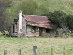 Abandoned NZ bush home...an eyesore to some...a billion possibilities to others...