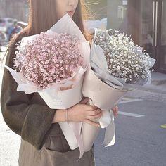 20 Ideas flowers boquette design florists for 2019 Boquette Flowers, How To Wrap Flowers, Dried Flowers, Planting Flowers, Beautiful Flowers, Wedding Flowers, Fresh Flowers, Arreglos Ikebana, Flower Packaging