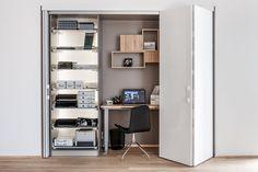 Nowy showroom w Swarzędzu - Peka Office Girl, Home Office, Wardrobe Cabinets, Interior Concept, Desk Space, Bathroom Medicine Cabinet, Bookcase, Shelves, Bedroom