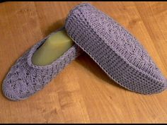 Slipper Socks, Slippers, Knitting, Shoes, Picture Search, Youtube, Fashion, Cute Crochet, Fuzzy Slippers