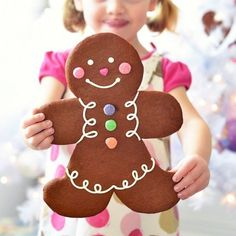 Gingerbread, in any form, makes me genuinely happy. And nostalgic. And as much as I get tempted to create weird and wonderful gingerbread confections, in my heart I feel compelled to embrace the ut...