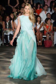 Pin for Later: Aufgepasst: Hier kommen die besten Abendkleider Christian Siriano Frühjahr/Sommer 2015
