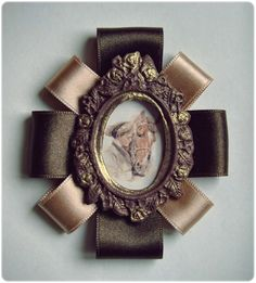 Broche 'Isabella' (color marrón)    http://es.dawanda.com/product/39316430-Broche-Isabella-color-marron#