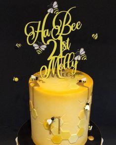Cake Designs Images, Cool Cake Designs, 21st Birthday, Birthday Cakes, 21st Cake, Bee Cakes, Cupcake Cookies, Cupcakes, Honey Cake
