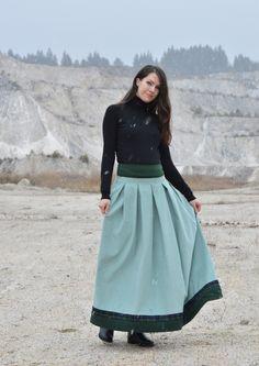 d0ffd33b4a7 Růžová+tylová+sukně+Sukně+je+ušitá+z mnoha+vrstev nařaseného ...