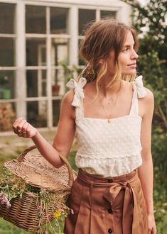Bohemian fashion clothing, boho style skirt Source by mookyboutique clothes boho Fashion Mode, 80s Fashion, Look Fashion, Skirt Fashion, Fashion Outfits, Fashion Tips, Fashion Ideas, Fashion 2018, Cheap Fashion