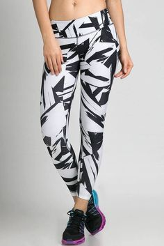 Nike geometric abstract 642540 white floe pant Nice Nike leggings in an abstract print! Great price too! Nike Running Tights, Nike Leggings, Tight Leggings, Nike Pants, Yoga Fitness, Fitness Pants, White Nikes, Workout Pants, Nike Women