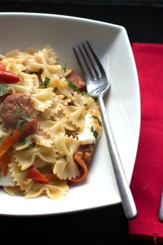 Chorizo & Roasted Red Pepper Pasta - Erren's Kitchen
