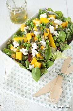 Salade met mango en geitenkaas - Mind Your Feed
