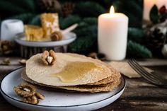 Spaldove oplatky s medom Christmas Ideas, Pancakes, Breakfast, Food, Kitchens, Morning Coffee, Essen, Pancake, Meals