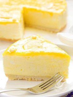 Lemon Cheesecake - Il Cheesecake al limone è una delizia al formaggio ed è facile da preparare. Piace sempre a tutti: state sicuri che grandi e piccini chiederanno il bis! #cheesecakeallimone