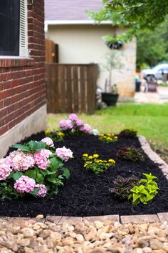 Astounding 9 Wonderful Small Front Yard Landscaping Ideas With Flower Bed Not only the interior, but the exterior of the house should also be considered. neatly arranged outside the house will make the house more beautiful. Flower Garden Images, Small Flower Gardens, Flower Garden Design, Modern Garden Design, Beautiful Flowers Garden, Patio Design, Front Yard Planters, Small Front Yard Landscaping, Backyard Landscaping