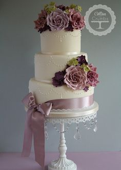 Deep tiers and ribbons on simple and pretty #wedding #cake