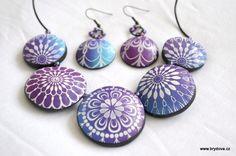 Silkscreening on clay - lots of pictures but translate ~Polymer Clay Tutorials
