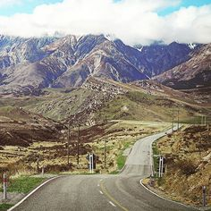 New Zealand is another heaven on earth but it is so lonely travelling overland on the South Island. Some of those scenic routes are quite dangerous too. One thing for sure is that a journey like this trains us to be more alert well-prepared and act accordingly.  #newzealand  #arthurspass  #journey