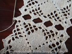 Crochet Tablecloth, Crochet Granny, Blanket, Squares, Crocheting, Diy Clothes, Flower Fabric, Crochet Doilies, Crochet Stitches
