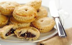 It will soon be that time of year. Get out those rolling pins, pastry and mincemeat and make these yummy mince pies.