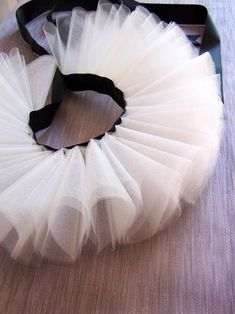 A double tutu Maquillage Halloween, Halloween Makeup, Halloween Costumes, Ballet Costumes, Dance Costumes, Fashion Sewing, Diy Fashion, Circus Costume, Clown Costume Diy