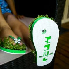 479c3773039664 Grass Flip Flops  Get the feeling of walking barefoot with on grass.  Anywhere.