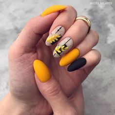 Фотография Yellow Nails, Pink Nails, White Nails, Stylish Nails, Trendy Nails, Classy Nail Designs, Manicure E Pedicure, Dream Nails, Dope Nails