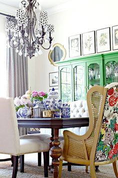 Blue and white chinoiserie with bright kelly green cabinet
