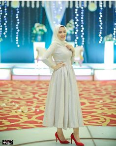 Image may contain: 1 person Muslimah Wedding Dress, Hijab Wedding Dresses, Bridal Skirts, Unique Prom Dresses, Hijab Evening Dress, Hijab Dress Party, Evening Dresses, Long Skirt Fashion, Modest Fashion Hijab