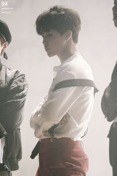 Jimin's jawline is sharper than most people's minds these days
