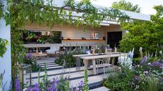 Detail Collective | Outside Spaces | RHS Chelsea Flower Show 2016 | The LG Smart Garden by Hay Joung Hwang | Image: RHS