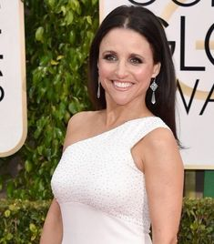 Julia Louis-Dreyfus (54), Golden Globe Nominee for Best Actress #Hairstylesforwomenover50 #JuliaLouisDreyfus #Hairstylesforwomenover60 #Hairstylesforwomenover65 #Hairstylesforowomenover55 #Hairstylesforwomenover45 #hairstyle #Hairstylesforwomenover70 #Hairstylesforwomenover75 #hairstylesforwomenover80 Hairstyles Over 50, Winter Hairstyles, Red Haired Actresses, Plastic Surgery Before After, Hair Styles For Women Over 50, Julia Louis Dreyfus, Red Carpet Hair, Hair Photo, Aging Gracefully